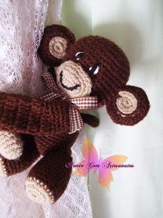 Macaquinho Amigurumi em lã.  Tamanho único  Opção de cor: tradicional ou à escolher