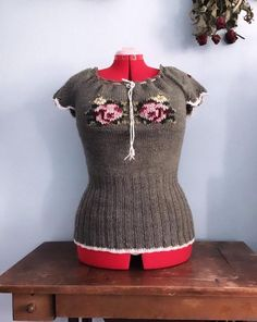 Folk hand knitted embroidered short sleeves woolen blouse for women Large XL / Feminine Spring Summer Autumn top Embroidered Shorts, Green Wool, Khaki Green, Blouses For Women, Body, Hand Knitting, Wool Blend, Short Sleeves, Spring Summer