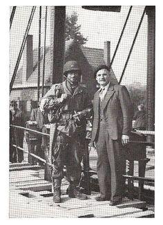 1944 ophaalbrug te Veghel met Thomas A.Norwood 326th Engineer bataljon die de nieuwe Hoge brug bouwt. Hij is gesneuveld in Veghel