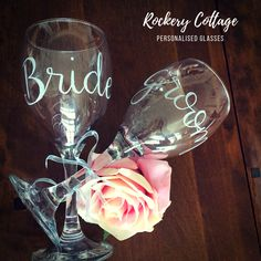 Mr and Mrs wine glasses bride and groom gift wedding gift Wine Glass Rack, Wine Glass Set, Mason Jar Wine Glass, Wine Racks, Bride And Groom Glasses, Bride And Groom Gifts, Bride Groom, Custom Wine Glasses, Red Wine Glasses