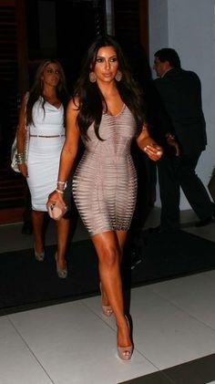 Kim kardashian photographed leaving Zuma after having dinner with friends in Miami February 02 2012 Miami Fashion, Style Fashion, Fashion Show, Womens Fashion, Kardashian Dresses, Kim Kardashian, Kim K Style, My Style, Nicki Minaj Body