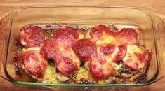 Wil je vanavond echt eens wat lekkers eten en ook een recept die je binnen no time op tafel zet? Dan moet je deze heerlijke kip, tomaat, pesto en kaas eens proberen. Het is echt lekker en het gerecht is in een paar minuutjes klaar om in de oven te gaan. Hier thuis vinden ze …
