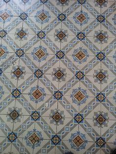 http://lesbeauxcarreaux.tumblr.com/ collection of pictures of beautiful antique cement tiles.   Collection d'images de beaux carreaux anciens en ciment :).