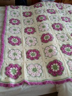 African Flower Square Tutorial For this blanket - chunky wool & size 6mm hook