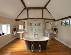 The clump case study, featuring exclusive London bath and Greenwich bath #cphart #traditionalbathrooms #bathroomideas