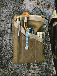 The PocKit Pro: Modern Carry Urban Grey – Yellow Birch Outfitters Edc Bag, Edc Everyday Carry, Camping, Survival Skills, Survival Hacks, Survival Gear, Wilderness Survival, Outdoor Survival, Tactical Gear
