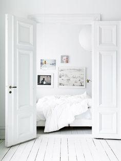 All-white Scandinavian bedroom!