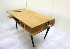 Arquiteto cria mesa para você dividir com seu gato | Catraca Livre