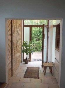 Blick ins Vorzimmer Furniture Making, Sweet Home, Windows, Interior, Room, Home Decor, Houses, Light In The Hallway, Modern Entrance Door