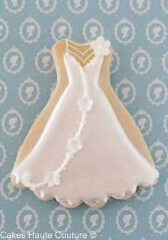 Bridal dress cookie / Galleta vestido de novia Tea Cookies, Biscuit Cookies, Royal Icing Cookies, Cupcake Cookies, Sugar Cookies, Wedding Dress Cookies, Wedding Cupcakes, Wedding Favours, Wedding Ideas