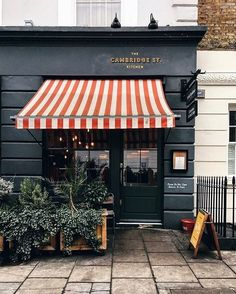 - The Gentlemen's Muse - Fachadas Coffee Shop Design, Cafe Design, Store Design, Store Front Design, Cafe Restaurant, Restaurant Design, Restaurant Facade, Store Concept, Cafe Shop