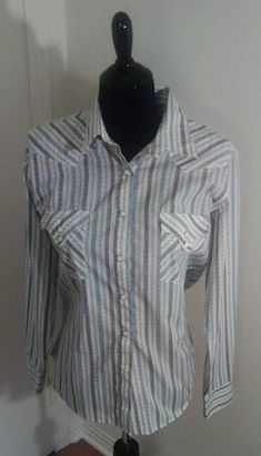 My Sz L Ladies Western Shirt by Panhandle slim. Size 12 / L for $$33.65: http://www.vinted.com/womens-clothing/blouses/21053693-sz-l-ladies-western-shirt.