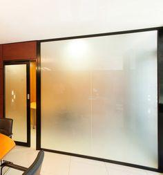 Tabique amovible / de cristal / translúcido / para oficina A Clipper