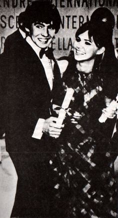 My two favorite actors (actress) :D Sally Field Davy Jones Davy Jones Monkees, The Monkees, Sally Fields, Mickey Dolenz, The Flying Nun, Thomas Jones, Artful Dodger, Oliver Twist, My First Crush