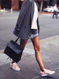 Take some time and look at 13 visual reasons why you need to own a pair of Pink Adidas Gazelle. Classic sneaker that's nothing but fashionable. Adidas Gazelle Outfit, Adidas Rosa, Pink Adidas, Adidas Shoes, Summer Outfits, Casual Outfits, Fashion Outfits, Womens Fashion, Fashion Tips