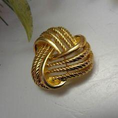 SOLD VINTAGE DESIGNER SGD NAPIER 14k GP Gold Celtic Love Knot Brooch Pin....