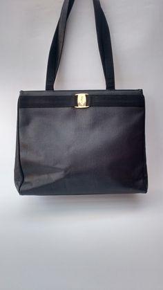 SALVATORE FERRAGAMO Vintage Black Textured Lizard Embossed Leather Shoulder Tote  Bag. Italian Designer Purse. 04e41fe916