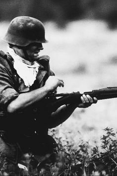 World War II: Wehrmacht wonderful pic of a combat reload.