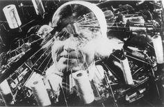 """Dziga Vertov Imagem do filme """" o homem da camara de filmar """" de Vertov de 1929"""