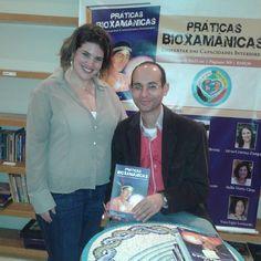 Autógrafos com o autor! Lançamento do livro Práticas Bioxamânicas - Despertar das Capacidades Interiores de Samuel Souza de Paula.