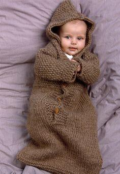 "Baby Knitting Patterns Sleeping Bag Ravelry: # 103 Baby Sleeping Bag pattern by Diane SoucyKnitting Pure and Simple--Diane Soucy--Baby Sleeping Bag (birth - 1 year)Crochet Patterns Sleeping Bag From Knitting Pure & Simple: ""A snuggly sleeping solution f Baby Bunting, Baby Pullover, Baby Cardigan, Knitting For Kids, Baby Knitting Patterns, Crochet Bebe, Knit Crochet, Baby Sleeping Bag Pattern, Baby Barn"