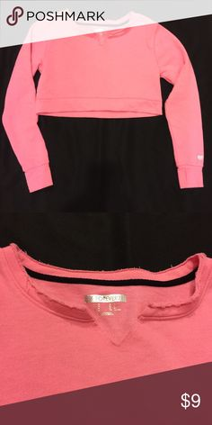 Forever 21 Cropped Sweatshirt Medium This pink cropped sweatshirt from Forever 21 is new without tag attached. It is a size Medium but runs small. Forever 21 Sweaters Crew & Scoop Necks