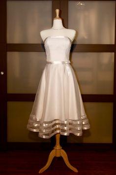 Simple strapless tea-length beach gown