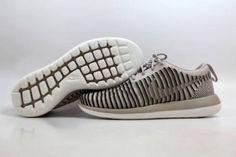 40de8b5dcbb7 Nike Roshe Two 2 Flyknit String String-Neutral Olive-Black 844929-200 SZ 7.5