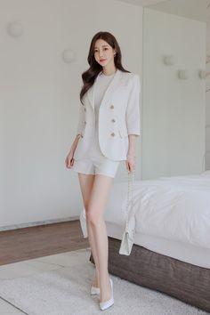Beautiful Legs, Beautiful Women, Asian Fashion, Asian Beauty, Asian Girl, Sons, Hair Beauty, Swimsuits, Blazer
