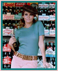 Raquel Welch 1966 – High Low Vintage