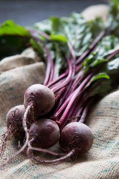 Tél végén a legjobb és legolcsóbb vitaminbomba a cékla. Számos fantasztikus gyógyhatása mellett az egyik legfinomabb zöldségünk! Használd...