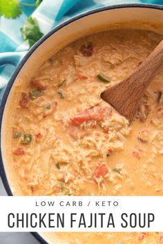 Low Carb Chicken Fajita Soup is delicious, full of flavor, and extremely filling.This Low Carb Chicken Fajita Soup is delicious, full of flavor, and extremely filling. Healthy Diet Recipes, Healthy Soup Recipes, Healthy Meal Prep, Keto Recipes, Keto Snacks, Dinner Recipes, Ketogenic Recipes, Dinner Healthy, Easy Recipes