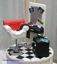 Edible Art. Retro beauty salon station cake!