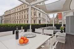 The Prometheus Apartment in A high-tech gem with terrace! Holiday Apartments, Vacation Apartments, Top Destinations, Outdoor Furniture Sets, Outdoor Decor, Terrace Garden, Terraces, Rome, Gardens