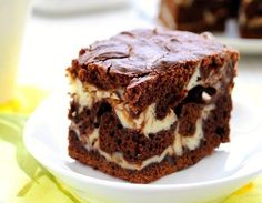 Chocolate and white cheese cake Mexican Food Recipes, Sweet Recipes, Dessert Recipes, Hungarian Cake, Czech Recipes, Chocolate Delight, Polish Recipes, Chocolate Cheesecake, Sweet Cakes