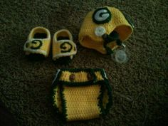 crochet green bay packer baby helmet, sandals and diaper cover