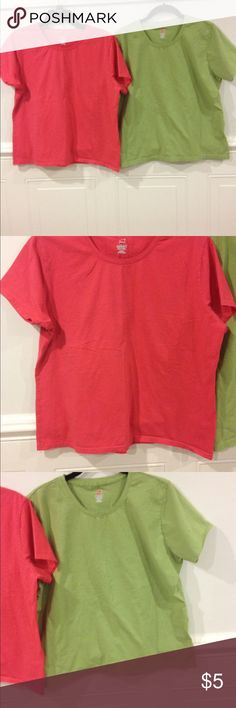 Hanes perfect t stretch XL good condition Size XL Hanes perfect t stretch good condition the set is 5.00 Hanes Tops Tees - Short Sleeve
