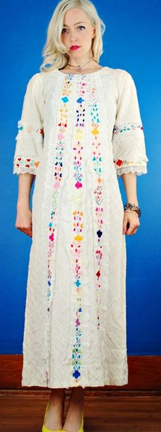 MEXICAN Vintage 70s FLORAL EMBROIDERED WHITE WEDDING BOHO DRESS Small S