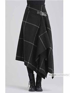 Modern take on a kilt in black with white windowpane pattern - Designer Dresses Couture Mode Outfits, Skirt Outfits, Dress Skirt, Fashion Outfits, Womens Fashion, Kilt Skirt, Skirt Boots, Tweed Skirt, Dress Boots