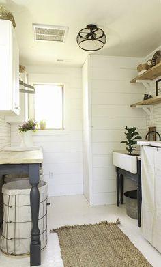 Adorable 75 Small Laundry Room Storage and Organization Ideas https://decorapatio.com/2017/09/17/75-small-laundry-room-storage-organization-ideas/