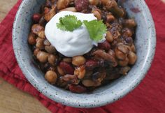 YUM! Vegetarian Chili! Here are some other ideas for DIY frozen meal packs for your slow cooker  #ad