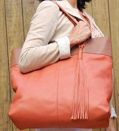 Maxi bolsa em couro. Mab Store - www.mabstore.com.br