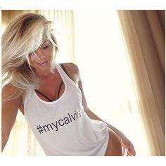 Bom dia queridos ! Um dia cheio de luz em nossas vidas ! Bjkas #karinabacchi ☀️ #mycalvins