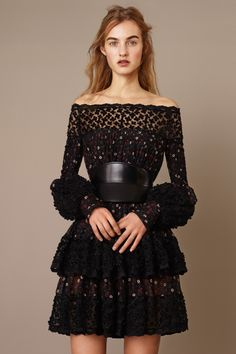 b57fb2dd811f Alexander McQueen Pre-Fall 2015 Fashion Show Collection  See the complete Alexander  McQueen Pre-Fall 2015 collection.