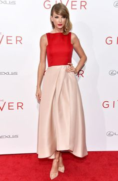 """The Princess is Back: Taylor Swift in Monique Lhuillier two-tone color-block red and powder pink chic gown at the premiere of her new movie, """"The Giver"""". #RedCarpet"""
