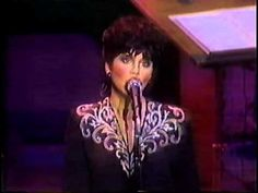 """LINDA RONSTADT (LIVE) """"SOMEONE TO WATCH OVER ME"""" (H.D. COPY) - NELSON RIDDLE ORCHESTRA, 1984 (442) - YouTube"""