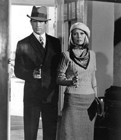 Warren Beatty and Faye Dunaway in 'Bonnie and...back when thugs dressed up nicely! :)