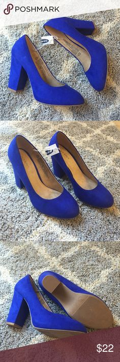 """Old Navy blue suede chunky heels New with tags Old Navy ultraviolet (blue) faux suede chunky heels. Size 7. Approx. 3.5"""" heel height. Old Navy Shoes Heels"""