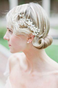 101 Steel-Worthy Long and Short Wedding Hairstyles 1920s Wedding Hair, Wedding Hair And Makeup, Wedding Hair Accessories, Wedding Updo, 1920s Hair, Gatsby Wedding, Bridal Updo, Wedding Art, Bridal Gown