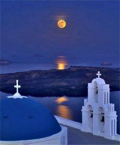 【月 月亮 Moon】     #Fullmoon over #Santorini - #Greece
